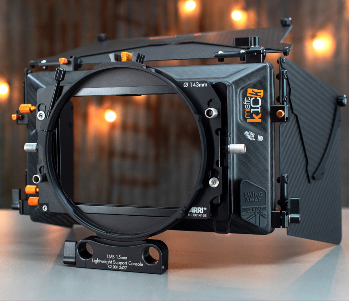 Traditional ARRI clamp adapter and rod support console on the Misfit Kick